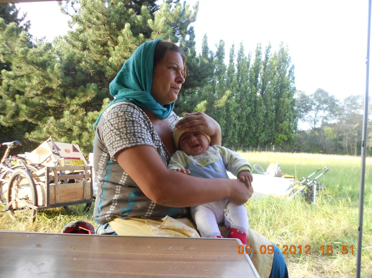«ce jour nous avons appris la destruction des caravanes des familles de la Friche»